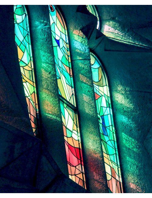 """""""Ulls blaus"""" fulard de seda natural, inspirat en la llum dels vitralls de la Sagrada Familia de Gaudi"""
