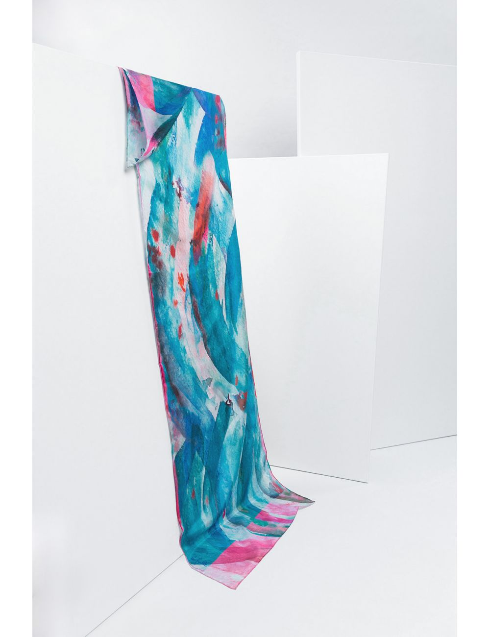 """Fular """"Azules"""" en estampado de azules turquesas y toques rosas"""