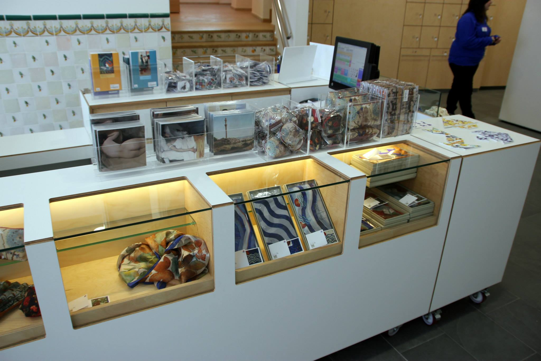 Maricel Museum Shop - Sitges, where you can find DABA DISSENY silk scarves, carré squares and ties.